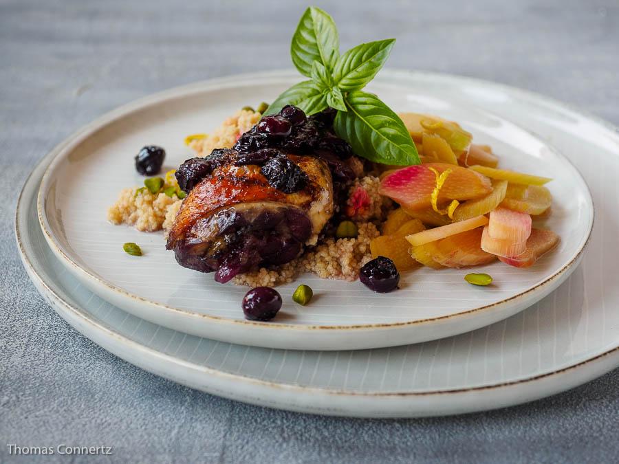 Blaubeer-Hähnchen Johannisbeer-Couscous Rhabarber-Salat
