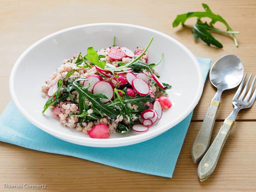 Graupen Radieschen Ziegenkaese Rucola Salat