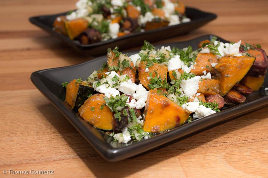 Kürbis-Möhren-Gemüse mit Kapern-Rosinen-Dressing