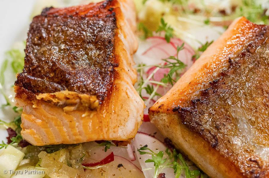 Lachsforelle mit Radieschensalat-