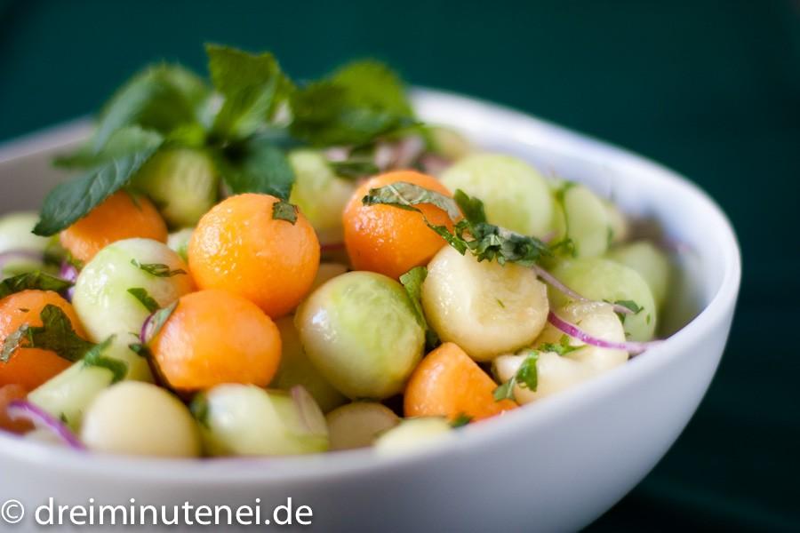 Melone-Gurken-Salat mit Zitronenmelisse