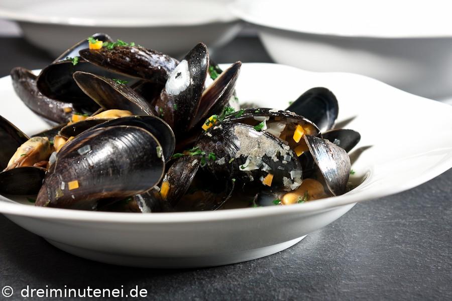 Muscheln in Weißweinsud