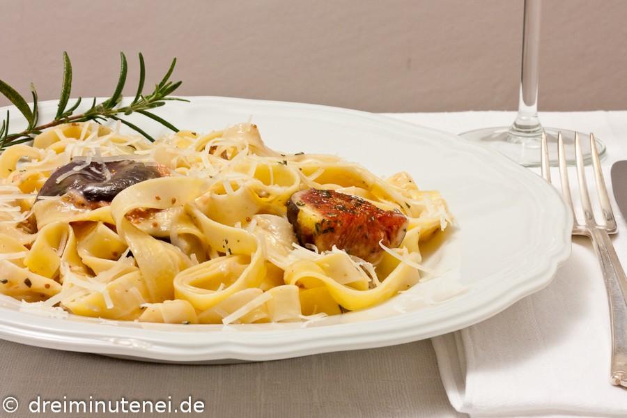 Pasta mit Feigen und Gorgonzola