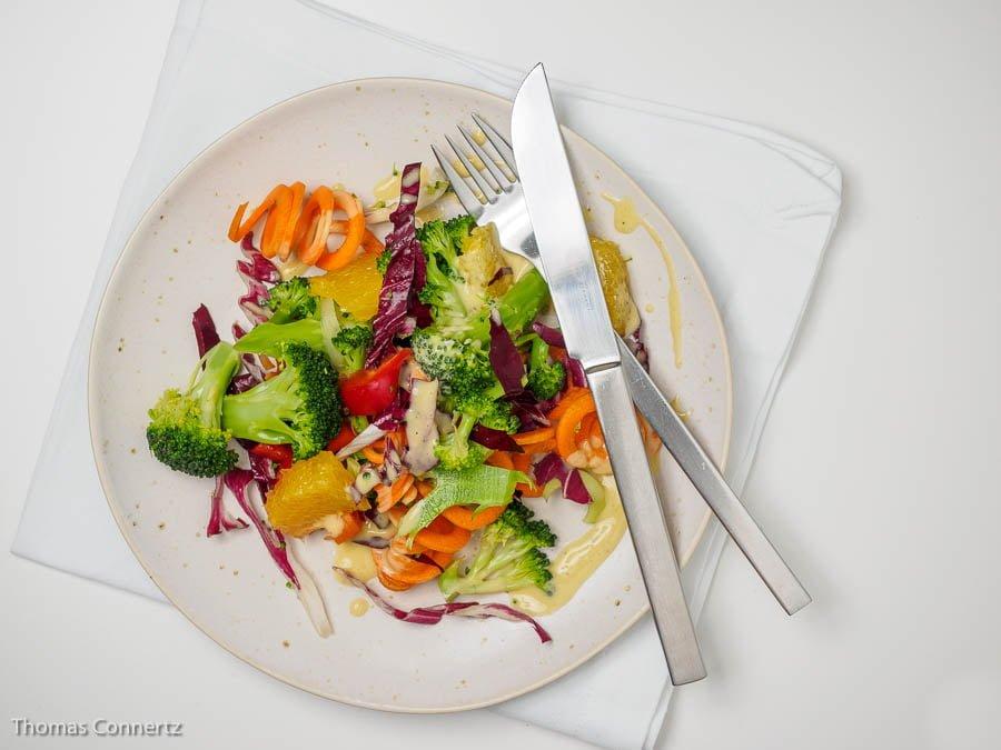 Salat Brokkoli Moehre Radicchio Paprika