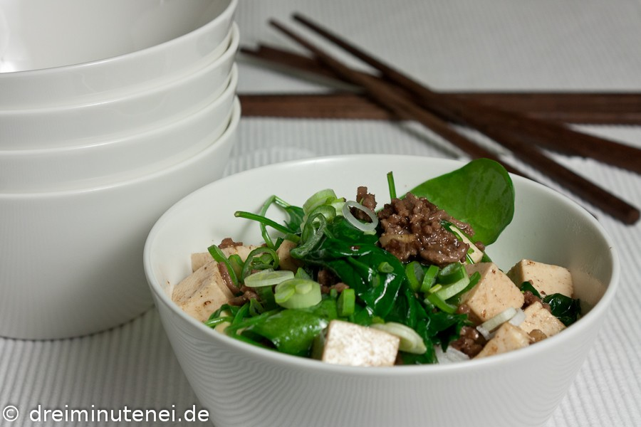 Rinderhack mit Tofu und Spinat