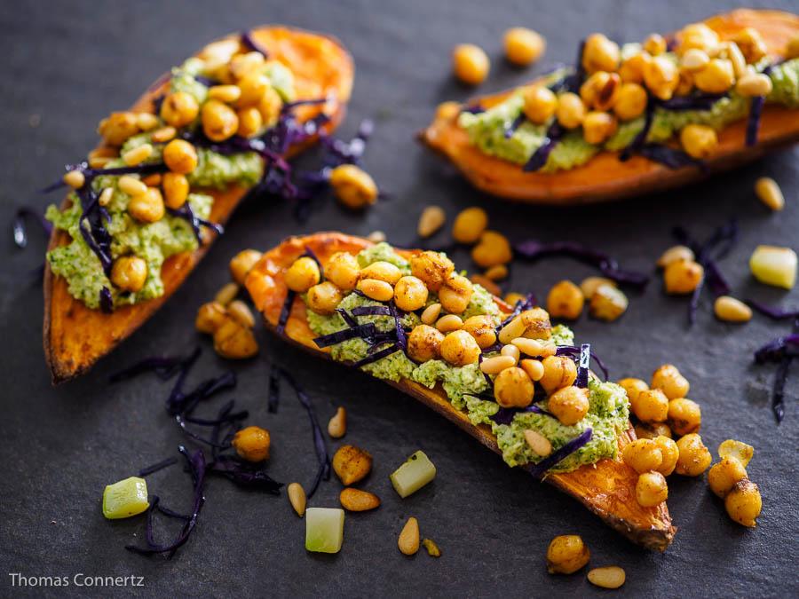 Süßkartoffel Kichererbsen Brokkoli-Pesto Rotkohl